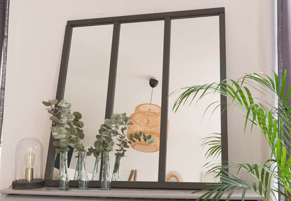 diy un miroir verri re style industriel bnbstaging le blog. Black Bedroom Furniture Sets. Home Design Ideas