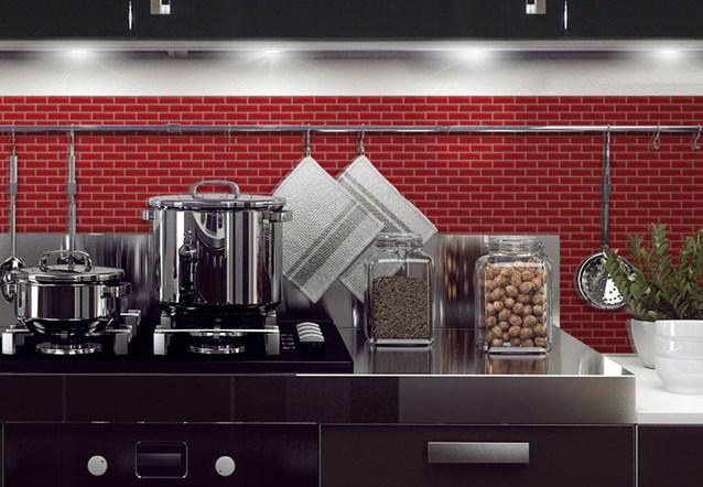 7 solutions pour relooker la cr dence cuisine bnbstaging for La cuisine x le creuset