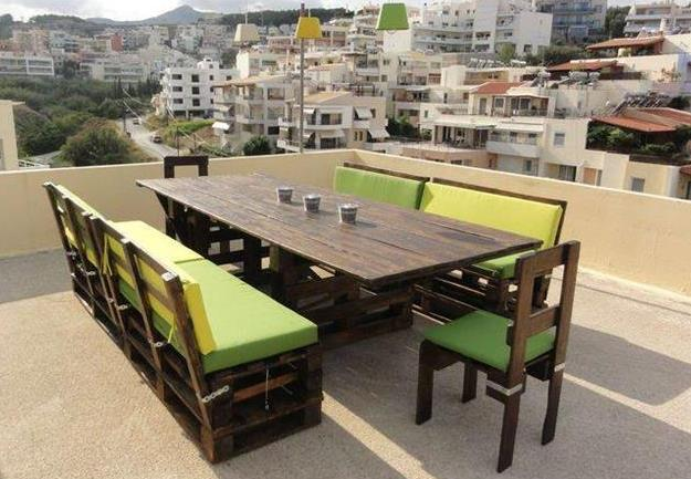 Les palettes réinventent le mobilier de jardin - BnbStaging le blog